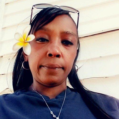 Laurie73, Woman 45  Frankfort Kentucky