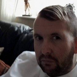 James08, Man 30  Bolton Lancashire