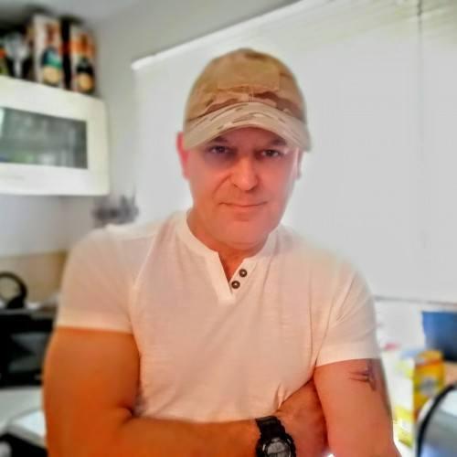Davidhuk7, Man 57  Staines Middlesex